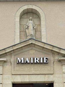 La Vierge de la Mairie de Sauternes